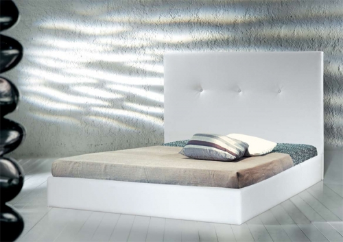Leatherette bed white